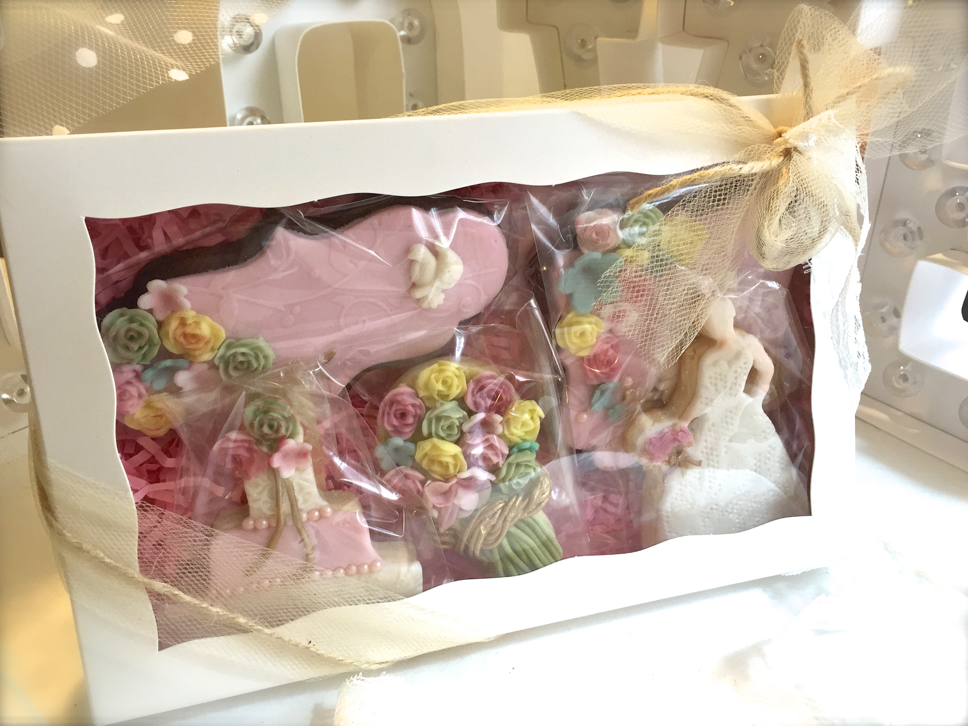 Boxed set, with tule, twine & lace