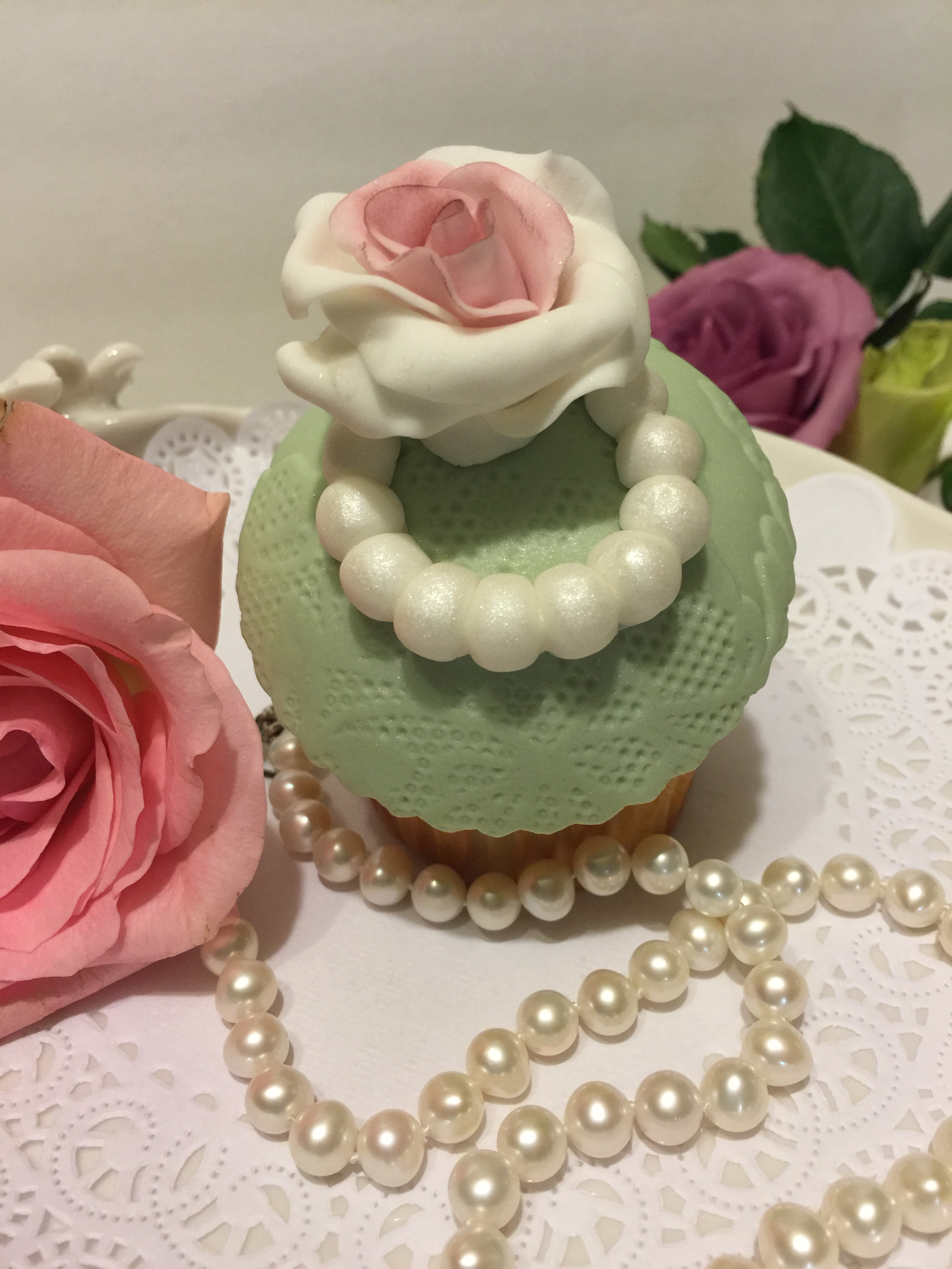 Shabby chic rose and pearl