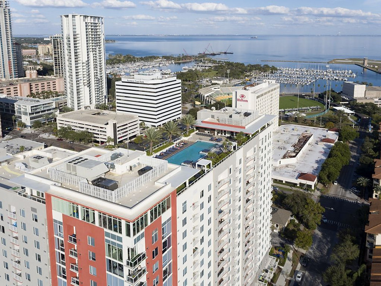 20camden-pier-district-apartments-stpete