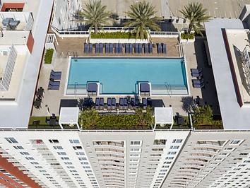 21camden-pier-district-apartments-stpete
