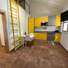 Cuisine salon jaune