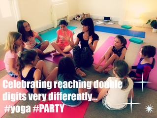 How to #yoga #PARTY Banana Studio style…