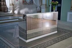 White mirrored bar (2m)