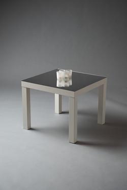 TABLE CARRÉE BLANCHEPLATEAU