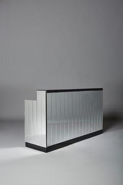 Black 2m Mirrored Bar