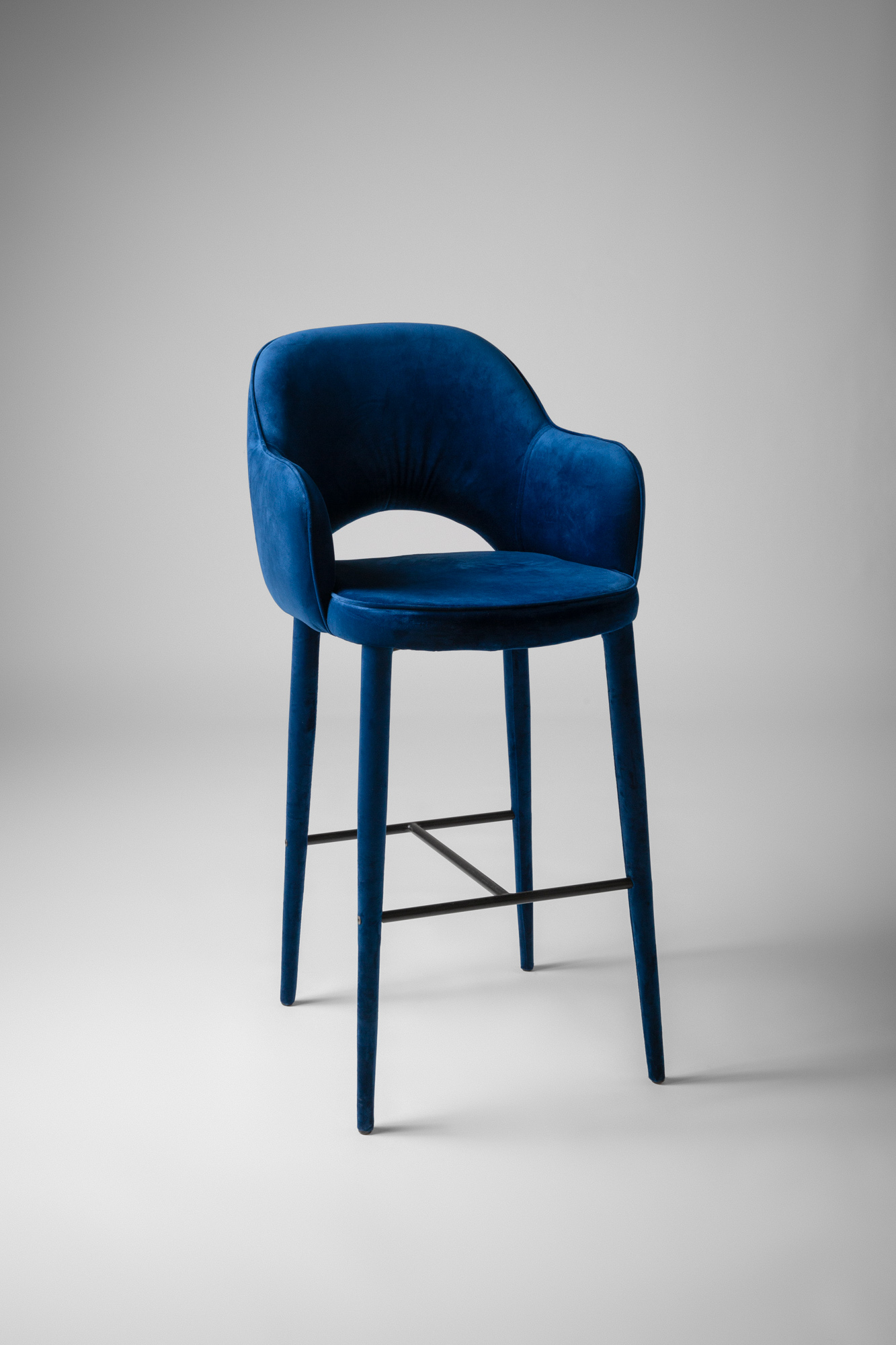 Manhattan Bar Stool w arms