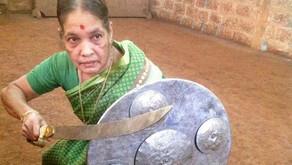 Une femme de 76 ans, d'accord, une femme de 76 ans qui fait du kung-fu, on adore !
