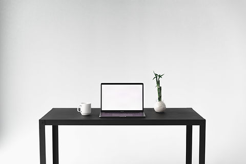 front-facing-view-of-minimal-desk-setup.