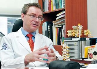 Im Gespräch mit dem österreichischen Arzt Dr. Raimund Royer