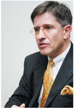 Secretary General Wolfgang Slawinski