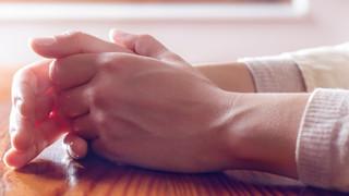 UOL Notícias - Formigamento nas mãos pode ser sintoma de doença; entenda
