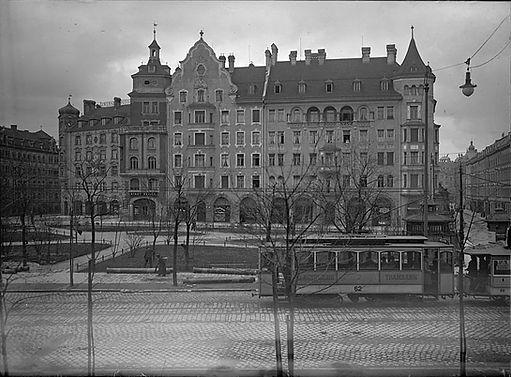 1897 Isartorplatz Stadtarchiv.jpg