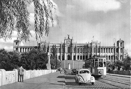 H-Tw 106 auf der Maximiliansbrücke einwärts 1952 tram münchen