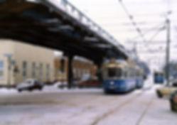 M5-Tw 2517 + m4-Bw 3429 kurz vor der Haltestelle Leonrodplatz auswärts 10.3.1988