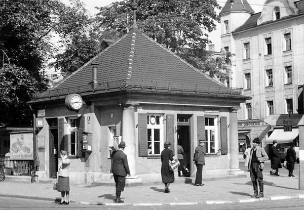 Stationshaus Münchner Freiheit-Südwestseite-xx0640-VB-L47-147.jpg