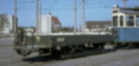 Die modernsten Transportwagen entstanden erst 1965 aus ehemaligen Postbeiwagen  tram München Transportwagen / Niederbord-Kipper  Typ: q 10.48 2530