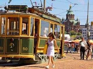 Helsinki verschenkt alte Straßenbahnen