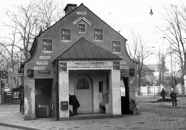 Wartehalle Neuhausen-Wahlpropaganda-011250-VB-L50-473.jpg