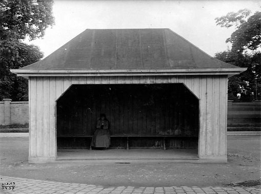 Wartehalle Dietramszeller Platz-210825-VB-34.37.jpg