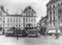 Schleppbetrieb in der Brienner Straße mit Akkulok-Vorspann, 1900. Archiv MVG tram münchen