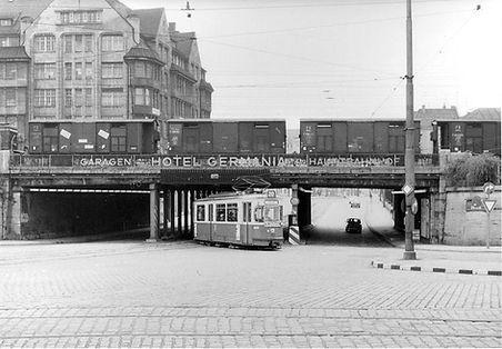 M3-Tw 797 + m3-Bw kurz nach der Lindwurm-Unterführung auswärts Juni 1966 tram münchen