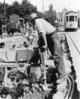 D-Tw auf der Maximiliansbrücke einwärts 1936 tram münchen