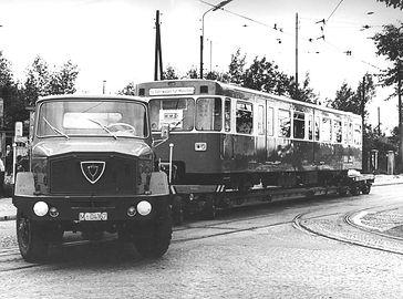 Im Juni 1967 wird Münchens erster U-Bahnwagen angeliefert. Archiv FMTM e.V. münchen tram trambahn