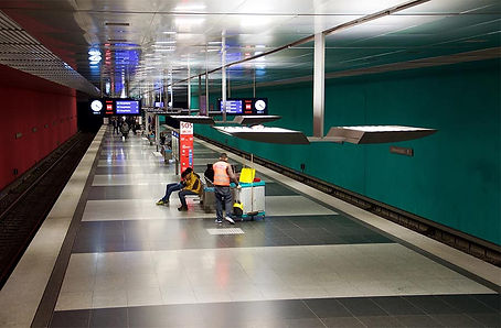 Wettersteinplatz U-Bahn 02.jpg