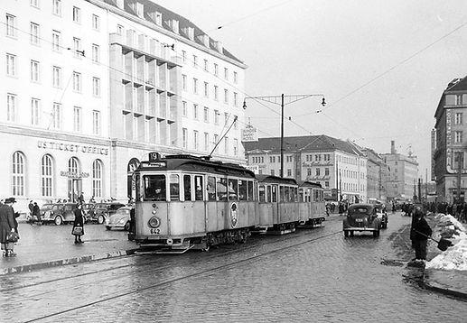 L19-25-642-19 1952.jpg