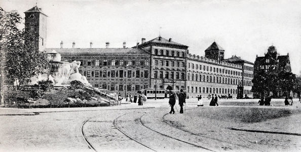 Lenbachplatz_2.jpg