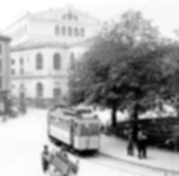 1906 am Gärtnerplatz: A-Tw 315 vor dem Gärtnerplatztheater tram münchen