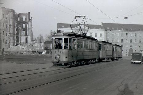 Linie 6 Maximiliansplatz .jpg