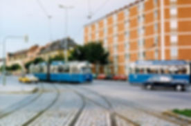 Tw 2036 + Bw 3022 biegt in die Kirchseeoner Straße ein am 14.10.1980 tram münchen