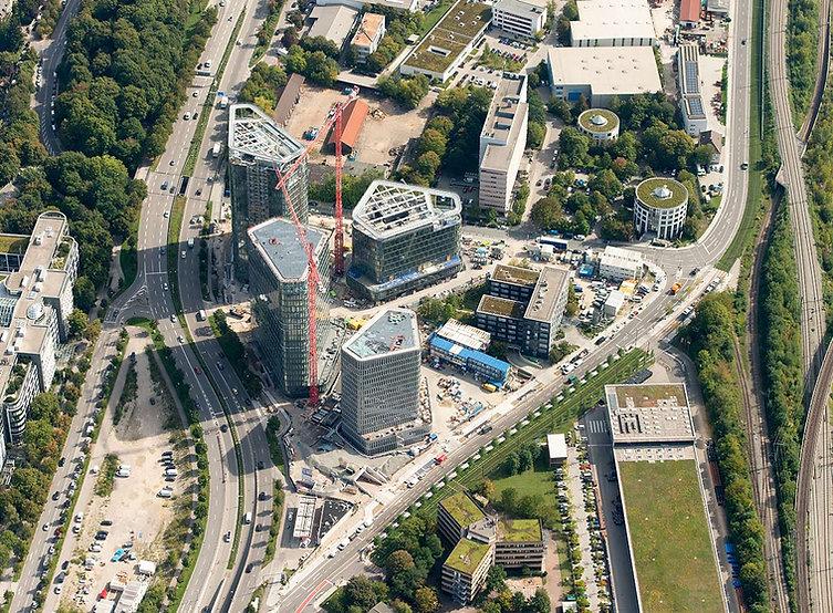 Vogelweideplatz_mit_Türmen.jpg