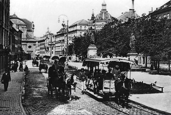 Promenadeplatz Pferdetram.jpg
