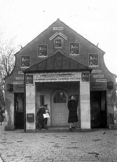 Wartehalle Neuhausen-Wahlpropaganda-0112