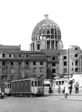posttram tram  verkehrsministerium post trambahn münchen 1949