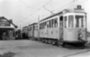 D2-Tw 494 an der Endhaltestelle Freimann 1951 tram münchen