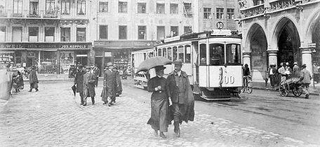 A2-Tw 300 + o-Beiwagen an der Haltestelle Marienplatz Richtung Isartalbahnhof 1908 münchen Tram
