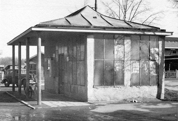 Wartehalle Perlacher Forst-050348-VB-L48-85.jpg