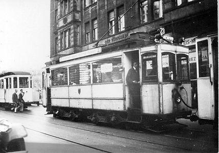 A-Tw 287 in der Prielmayerstraße vor dem Königshof einwärts tram münchen