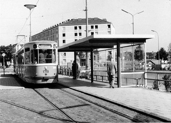 Haltestellen-Überdachung Ramersdorf-Tram-130862-VB-L62-153.jpg