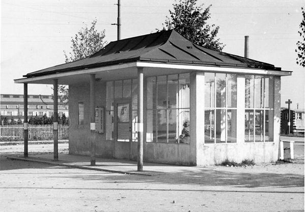 Wartehalle Perlacher Forst-xx0640-VB-L47-225.jpg