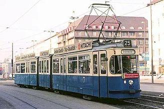 Der 102er auf der Linie 25, Ausfahrt Sendlinger Tor Platz Richtung Grünwald. TRIEBWAGEN TYP P 1.65sendlinger Tor platz münchen tram