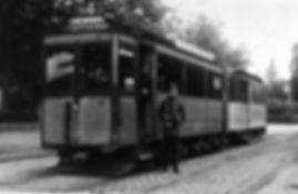 A4-Tw 238 + e-Bw mit Personal an der Endhaltestelle Westfriedhof einwärts 1925 München tram