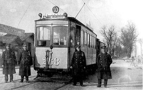 A-Tw 268 mit Personal am Nordfriedhof 1910 tram münchen