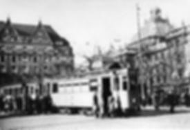 G-Tw 667 + f-Bw am Karlsplatz Richtung Marienplatz dezember 1943 tram münchen krieg
