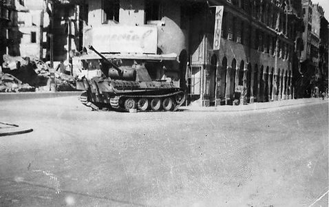 1945 Stachus Panzer kino.jpg
