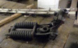 Seltene Teile im Bestand: eine Andruckmechanik für das berühmte Stromstangerl der Tram münchen