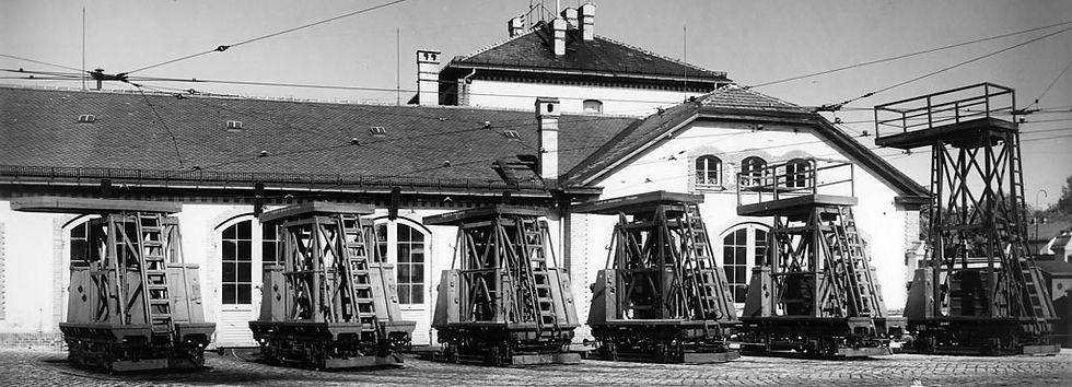 Parade der Turmwagen im Betreibshof: Wagen 891 892 893 894 895 nach Grösse sortiert münchen Tram